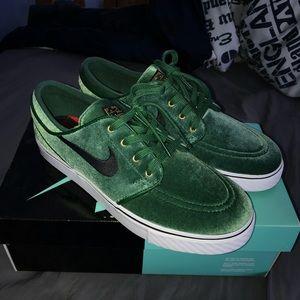 Green velvet Stefan Janokskis SB's